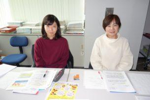 岡本教授(右)と橋本さん